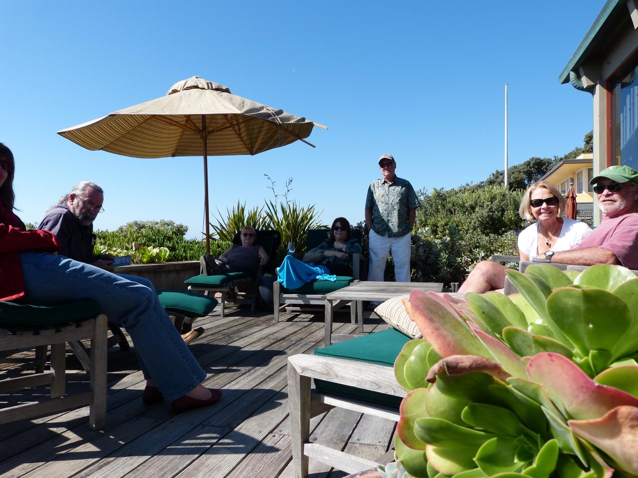 santabarb_beach-house-group